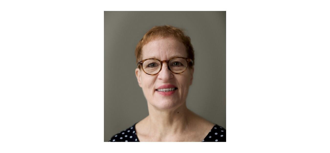 Dr Caroline Finill